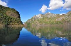 Scenisk sikt av fjorden i Norge Royaltyfri Bild
