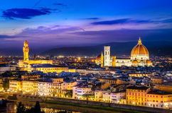 Scenisk sikt av Florence på natten från Piazzale Michelangelo Royaltyfria Foton