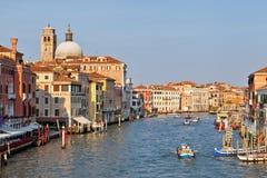 Scenisk sikt av Grand Canal, Venedig, Italien Royaltyfria Bilder