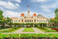 Scenisk sikt av Ho Chi Minh City Hall, Vietnam arkivbilder