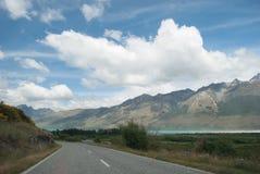 Scenisk sikt av sjön Wakatipu, Glenorchy Queenstown väg, södra ö, Nya Zeeland Arkivbild