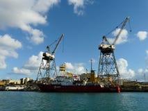 Scenisk sikt av skeppsvarven i porten av Malta arkivfoto