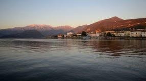 scenisk sikt för lake arkivfoto