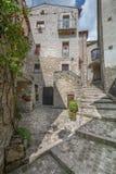 Scenisk sikt i Barrea, landskap av L ` Aquila, Abruzzo Italien Royaltyfri Fotografi