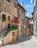 Scenisk sikt i Scanno, landskap av L ` Aquila, Abruzzo, centrala Italien Royaltyfria Bilder