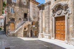 Scenisk sikt i Scanno, landskap av L ` Aquila, Abruzzo, centrala Italien Royaltyfri Fotografi