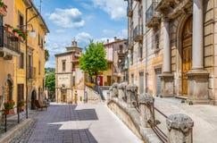 Scenisk sikt i Scanno, landskap av L ` Aquila, Abruzzo, centrala Italien Arkivfoto