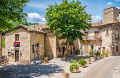 Scenisk sikt i Scanno, landskap av L ` Aquila, Abruzzo, centrala Italien Arkivfoton