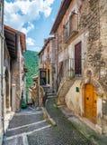 Scenisk sikt i Scanno, landskap av L ` Aquila, Abruzzo, centrala Italien Royaltyfri Bild