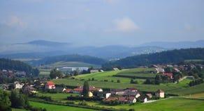 Scenisk sikt Slovenien Europa för Trebnje stad royaltyfri fotografi