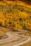 Scenisk sikt till högländerna på bywayen 12 i Utah, USA Arkivbild