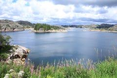 Scenisk sjö i Norge Royaltyfri Foto
