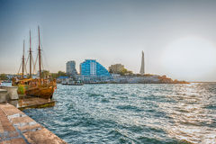 Scenisk sjösida av Sevastopol, Krim Arkivbild