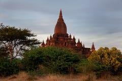 Scenisk soluppgång ovanför Bagan i Myanmar Royaltyfri Fotografi