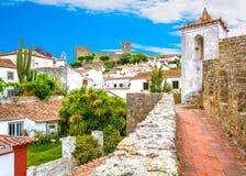 Scenisk sommarsikt i Obidos, Leiria område, Portugal Arkivfoton