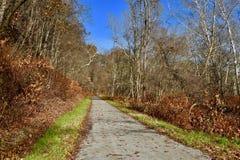 Scenisk stång-till-slinga bana i västra Pennsylvania Arkivfoton
