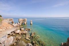 Scenisk stenig kustlinje - Augusti 2016, Argentario, Tuscany Fotografering för Bildbyråer
