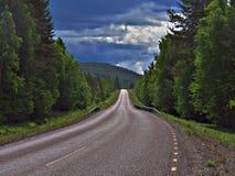 Scenisk väg för nedgång i Sverige Royaltyfri Foto