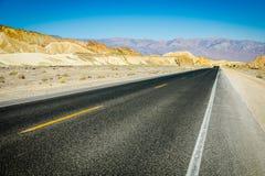 Scenisk väg i Death Valley Fotografering för Bildbyråer