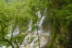 scenisk vattenfall för områdesjiuzhaigou Arkivfoton