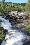 Scenisk vattenfall i Norge Arkivfoton