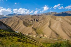Sceniska kyrgyz berg Royaltyfria Foton