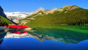 Sceniska Lake Louise, Banff nationalpark, Kanada Arkivfoton