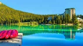 Sceniska Lake Louise, Banff nationalpark, Kanada Fotografering för Bildbyråer