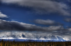 sceniska sikter för berg Arkivfoton