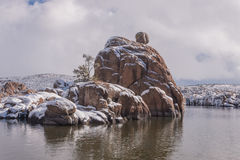 Sceniska Watson Lake Prescott Arizona i vinter Arkivfoton