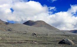 Sceniskt Himalayan berg i norr Sikkim, Indien Arkivfoton