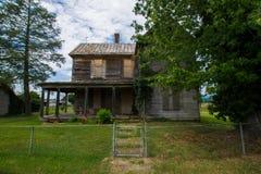 Sceniskt landskap av Elkton, Virginia runt om den Shenandoah medborgaren Royaltyfri Fotografi