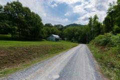 Sceniskt landskap av Elkton, Virginia runt om den Shenandoah medborgaren Royaltyfri Bild