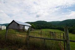 Sceniskt landskap av Elkton, Virginia runt om den Shenandoah medborgaren Arkivfoto