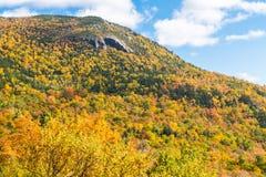 Sceniskt område för vitt berg Royaltyfri Bild