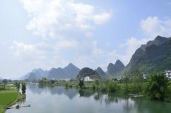 Sceniskt område för Yulong flod i Yangshuo Royaltyfria Foton
