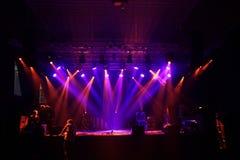 Sceny światło reflektorów z promieniami zdjęcia stock