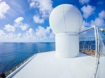 Sceny na pokładzie statku wycieczkowego linerin pokojowy ocean Obraz Royalty Free