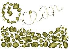 Schöne goldene Oberteile von verschiedenen Formen, Meeresflora und -fauna auf weißem  Hintergrund, elegante Einladungskarte lizenzfreie abbildung