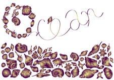 Schöne purpurrote Oberteile von verschiedenen Formen, Meeresflora und -fauna auf weißem  elegante Einladungskarte des Hintergru lizenzfreie abbildung
