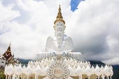 Schöne weiße fünf Buddha Statue in Thailand lizenzfreie stockfotos