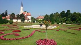 Schönbrunn Palace& x27; s公园 免版税库存图片