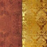 Schäbiger goldener farbiger mit Blumenhintergrund Lizenzfreies Stockbild