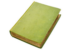 Schäbiges altes grünes Buchbuch getrennt auf Weiß. Stockbild
