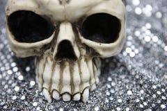Schädel mit metallischem bokeh Stockfoto