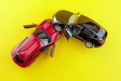 Sch?digende Automobile nach Autounfall lizenzfreie stockfotografie