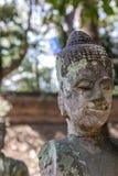 Schädigende handless buddhistische Statue lizenzfreies stockbild