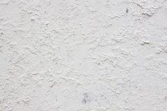 Schädigende strukturierte weiße Wand Gebrochenes Material aufbau Stockfotos
