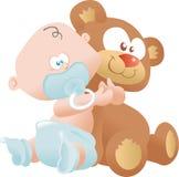 Schätzchen, das einen Teddybären umarmt Stockfotos