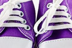 Schätzchen-laufende Schuhe Stockfoto
